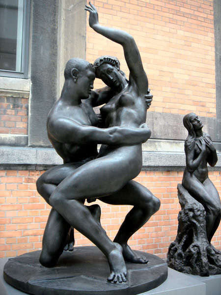 欧式带钢琴的喷泉雕塑