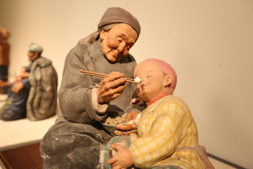 天津泥人张彩塑优秀作品亮相中国美术馆